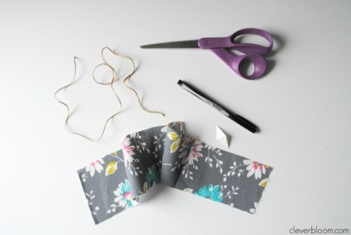Tiny Fabric Scrap Bunting is so fun and easy!