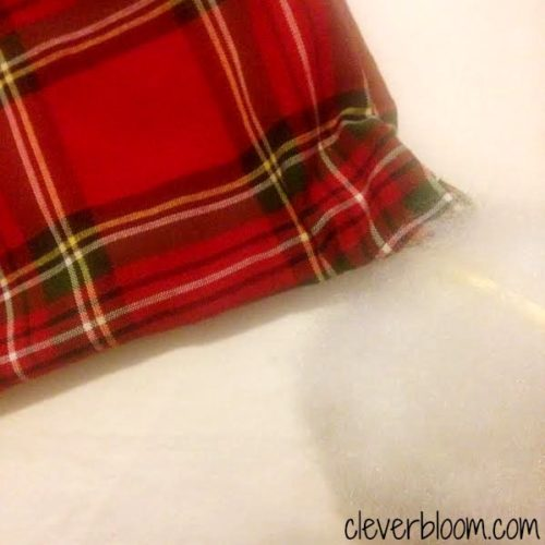 Easy cloth napkin pillow tutorial. Make pillows so much cheaper!