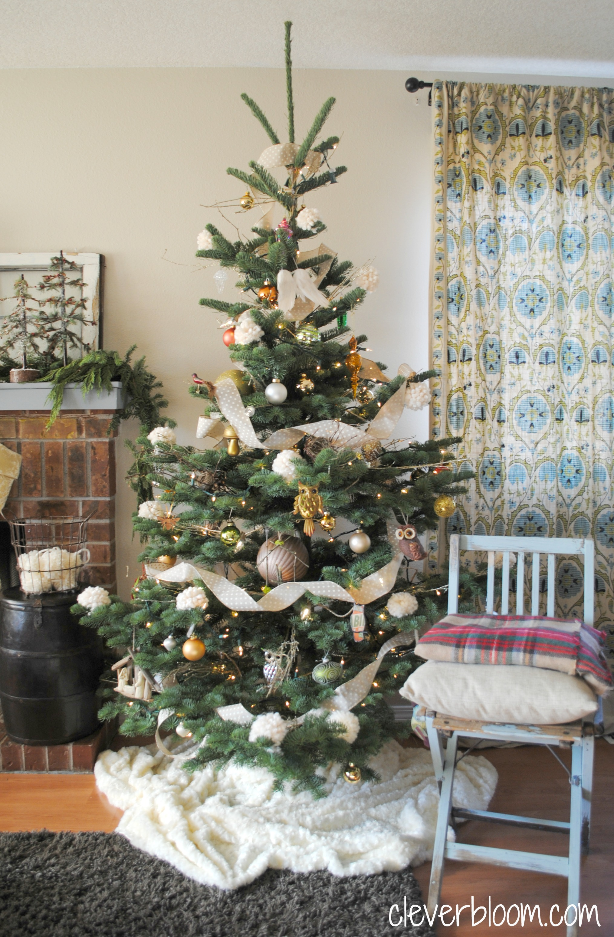 my eclectic neutral christmas tree visit cleverbloomcom for ornament ideas diy tips - Neutral Christmas Decor