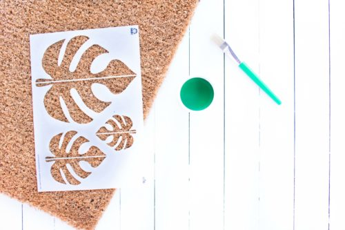 This easy DIY Monstera Doormat is a perfect way to bring a little bit of tropical to your entryway. Make one for a housewarming gift or keep it for yourself! #diy #doormat #monstera #modern #crafts #homedecor